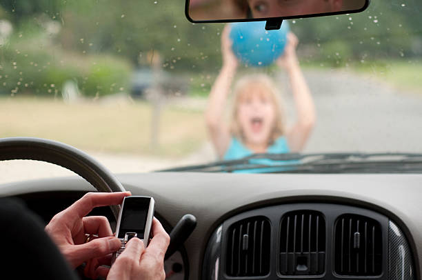 the effects of cellphones on driving Unsafe driving in the cell phone era driver behavior behind dangerous patterns in 1997 the use of cell phones had become so popular that the national highway traffic safety administration conducted a study that assessed the potential dangers in the growing use of wireless phones.