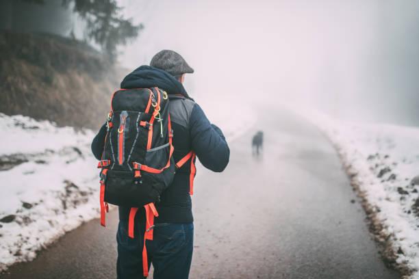 Man trail hiking on high mountain picture id937326948?b=1&k=6&m=937326948&s=612x612&w=0&h=n kkjkwtkcmv55amho brht id rabf3pzncxvbu1zo=