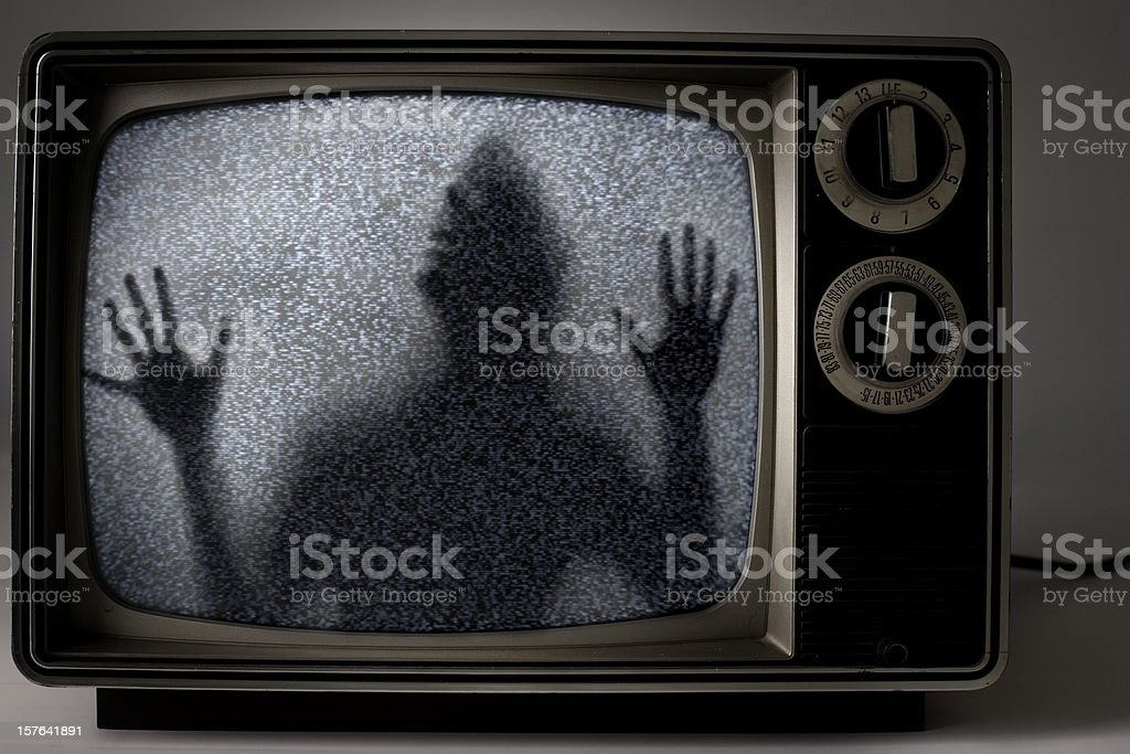 Mann gefangen in Fernseher – Foto