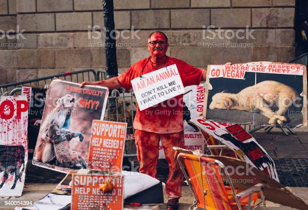Man urging not to kill animals for meat on the street in the gothic picture id940054394?b=1&k=6&m=940054394&s=612x612&h=1xraslqrknf6pzzxlgwi0noaywixbqae g7btbt66jq=