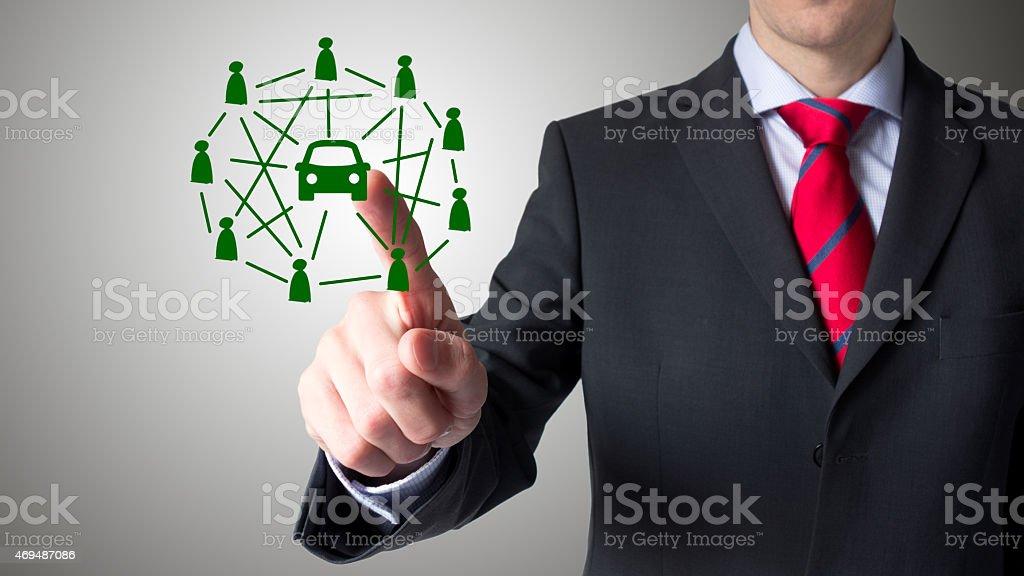 Uomo utilizzando un touch screen-Trasporto collettivo - Foto stock royalty-free di 2015