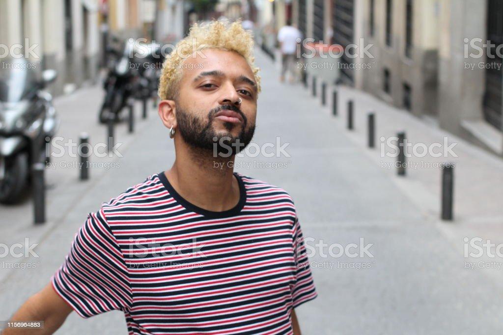 Blond gefärbte haare mann