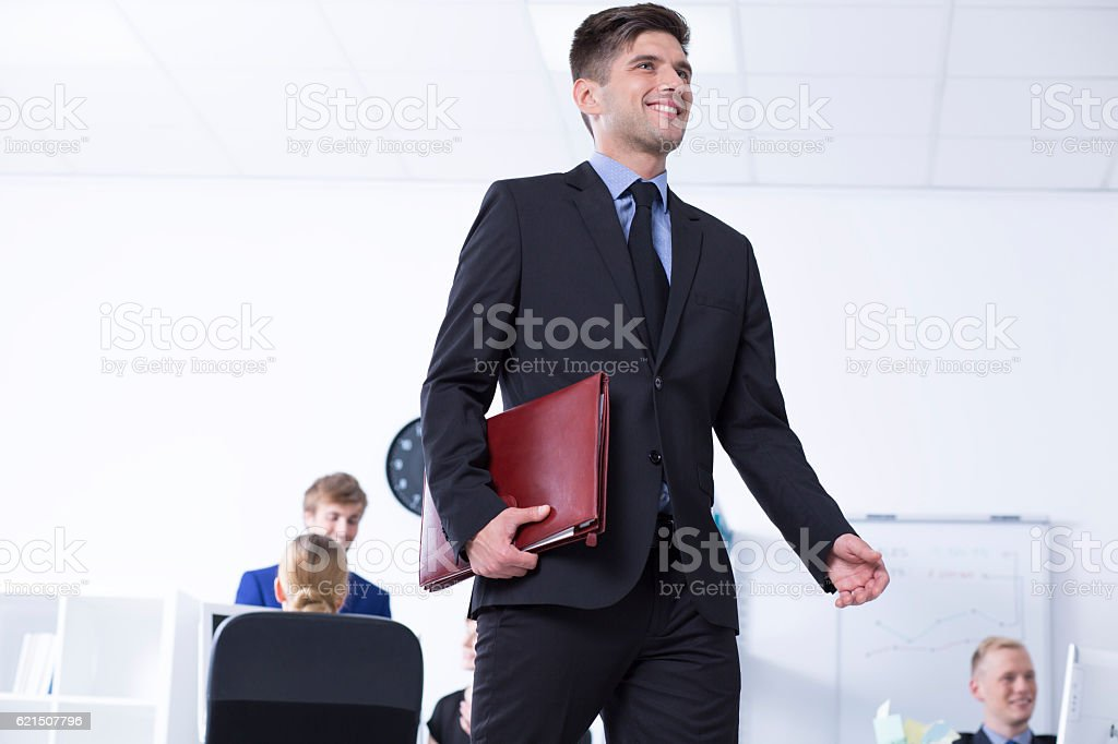 Man with briefcase and open space area foto stock royalty-free