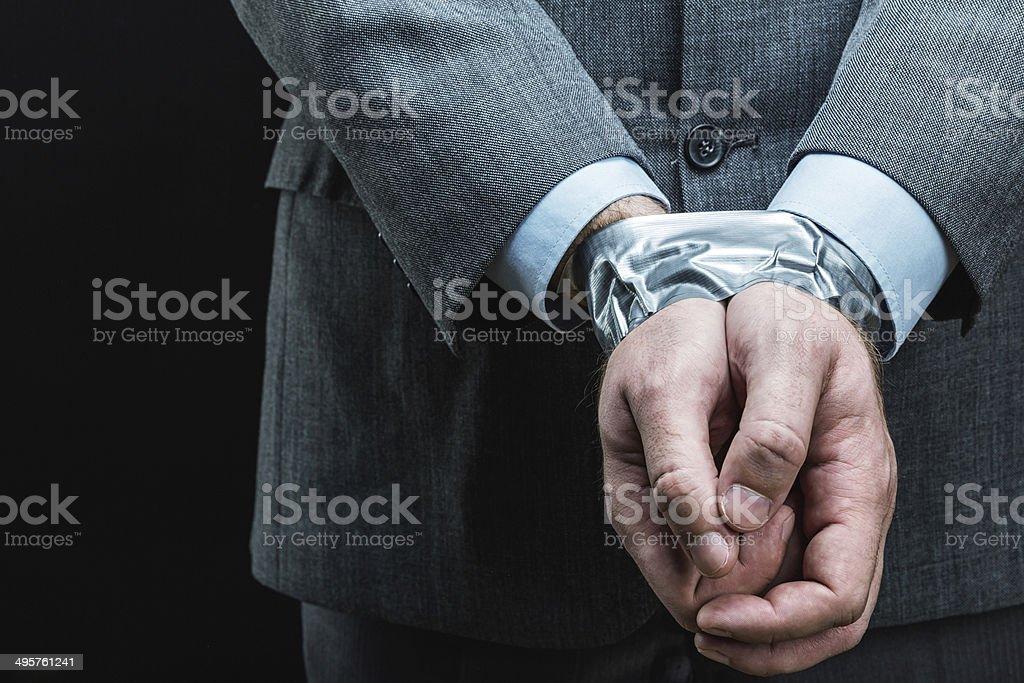 Mann mit Händen von Klebeband – Foto