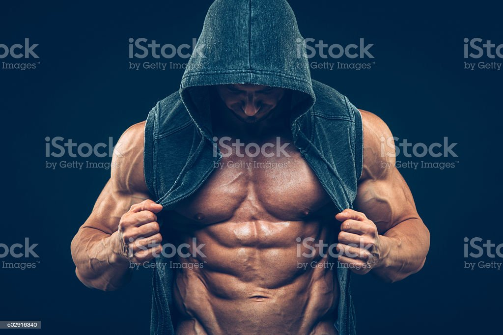 Homme avec musculaire torse. Homme athlétique Fort Fitness modèle torse - Photo