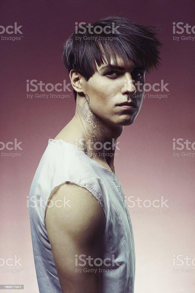 Mann Mit Modischen Frisur Stockfoto Und Mehr Bilder Von 25 29 Jahre
