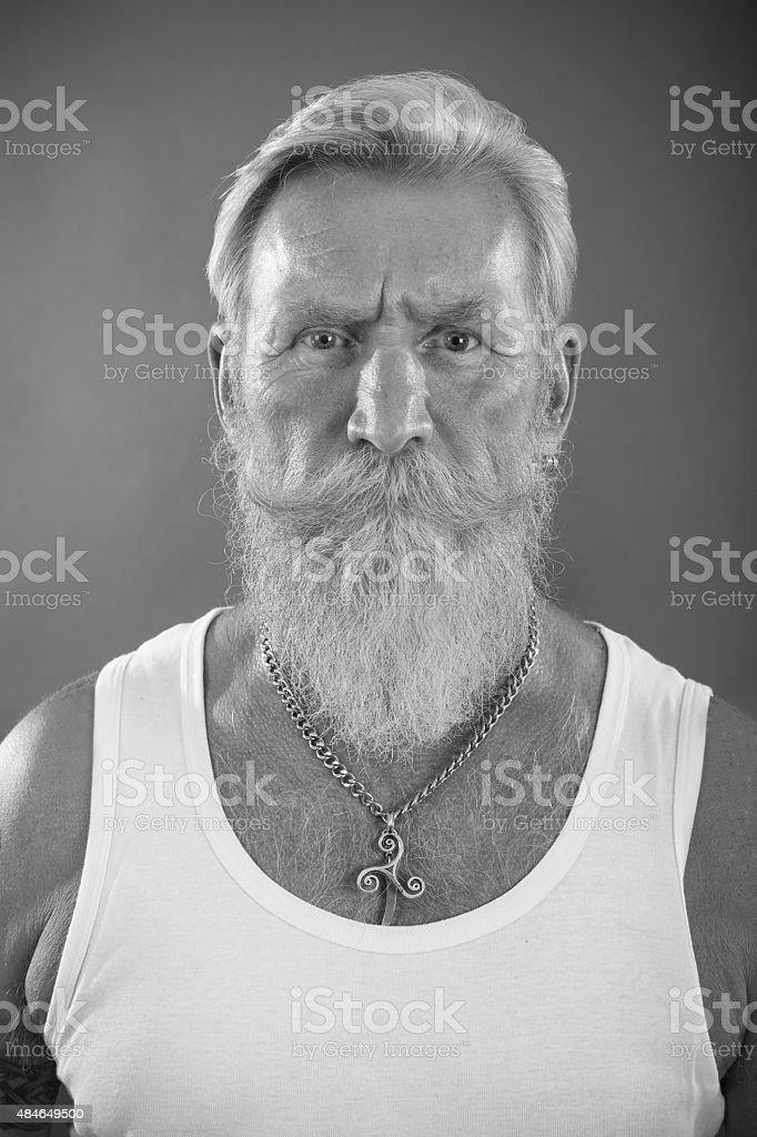 Homem com barba branca - foto de acervo