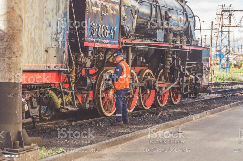 管理鐵路貨運列車的解散, 形成新的貨車。 - 免版稅事件圖庫照片