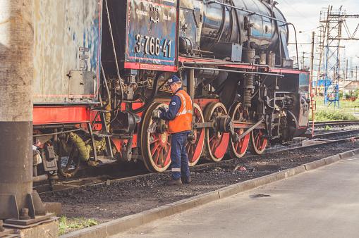 管理鐵路貨運列車的解散 形成新的貨車 照片檔及更多 事件 照片