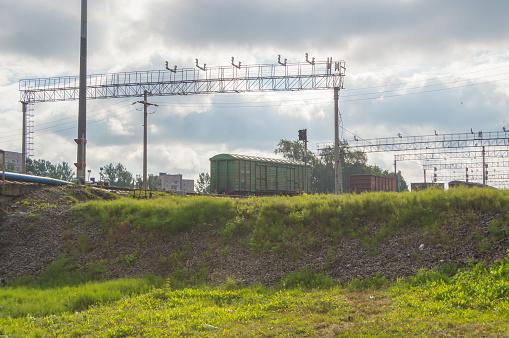 管理鐵路貨運列車的解散 形成新的貨車 照片檔及更多 交通 照片