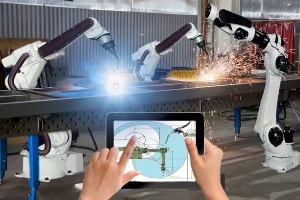 manager engineer check and control automation robot arms machine in intelligent factory industrial on real time monitoring system software. robótica de soldadura moderna y operación de fabricación digital - robótica fotografías e imágenes de stock