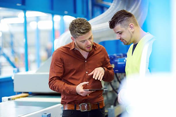 Manager mit dem neuen design auf tablet PC zu foreman – Foto