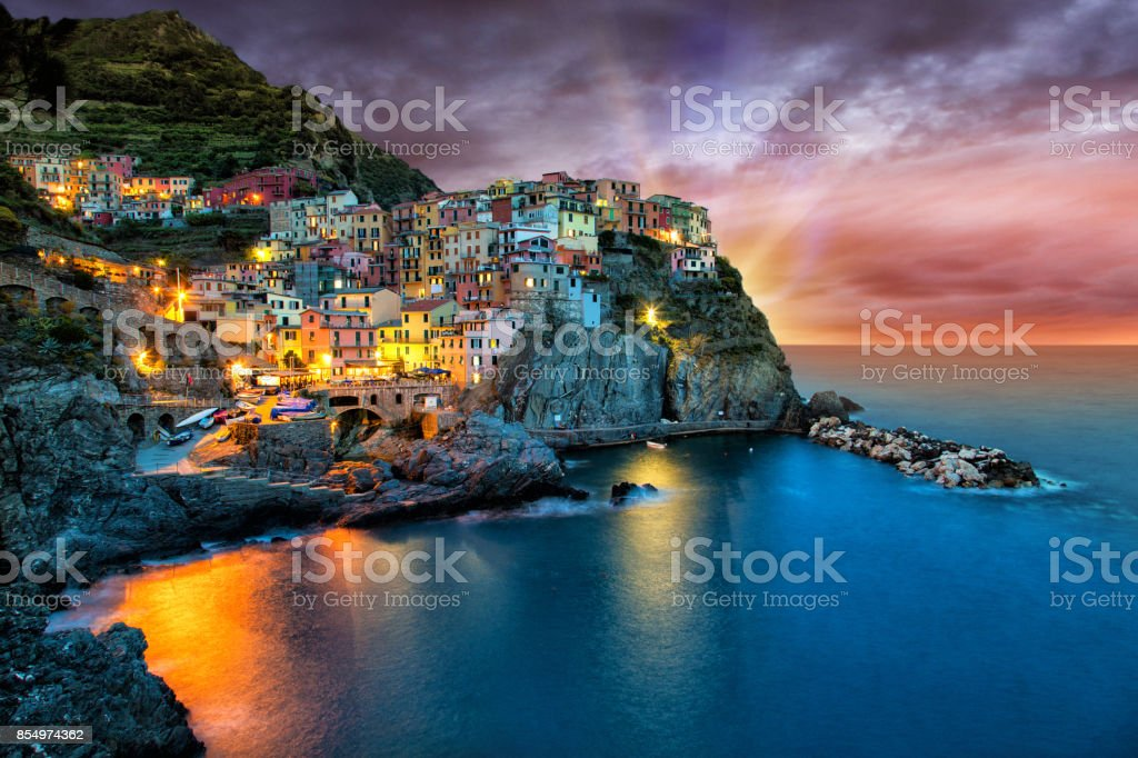 Manarola village on the Cinque Terre coast - foto stock