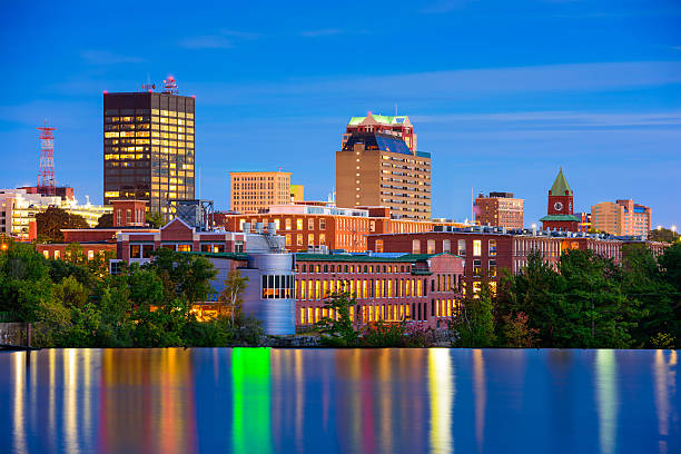 manchester, new hampshire skyline - new hampshire stockfoto's en -beelden