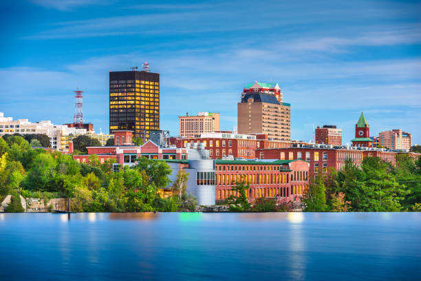 Manchester, New Hampshire, USA Skyline on the Merrimack River – Foto