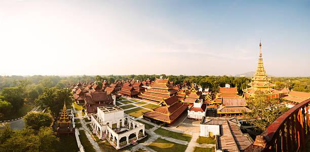 cung điện mandalay - mandalay palace hình ảnh sẵn có, bức ảnh & hình ảnh trả phí bản quyền một lần