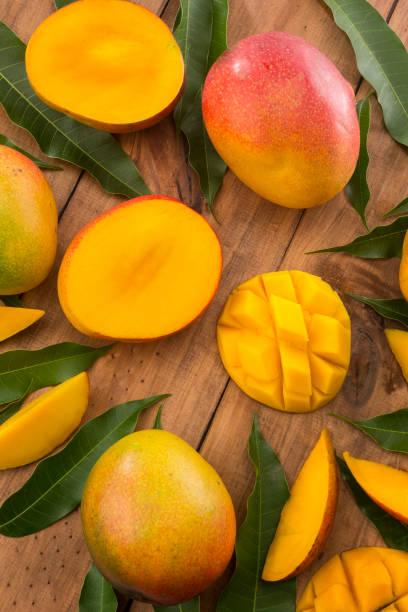 composición del mango - mango fotografías e imágenes de stock