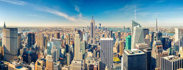 vue aérienne de manhattan  - new york photos et images de collection