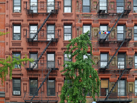 Manhattan Apartment Building Stock Photo - Download Image ...