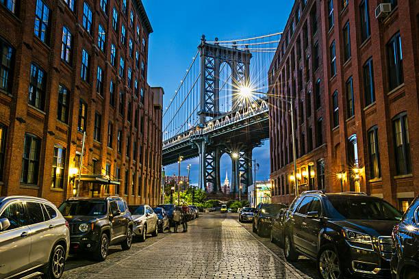 Manhattan bridge from Brooklyn, New York - foto de acervo