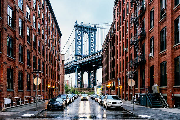 manhattan bridge in new york - international landmark stock photos and pictures
