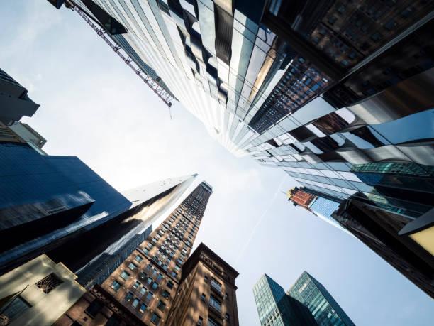 Manhattan Bürogebäude von unten – Foto
