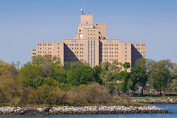 manhattan psychiatric center on ward's island, new york city. - psychiatric ward stock photos and pictures