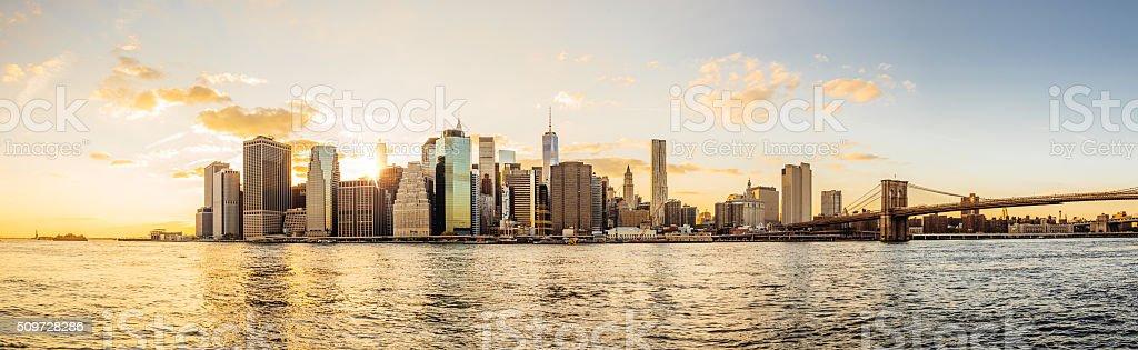 Manhattan skyline bei Sonnenuntergang – Foto