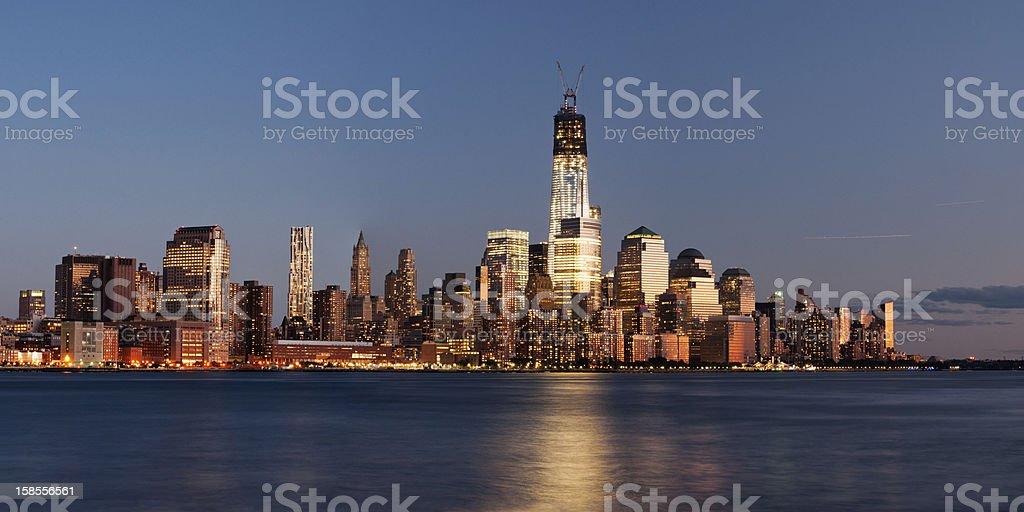 맨해튼 스카이라인 (dusk royalty-free 스톡 사진