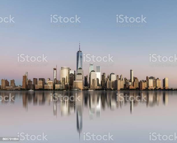 Manhattan skyline picture id865791884?b=1&k=6&m=865791884&s=612x612&h=wo kaqpqvs4agwqc vcxepktwubiwpdi76m3sq0ud3a=