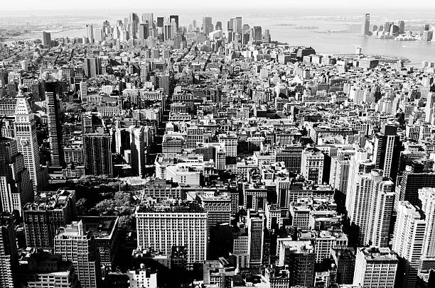 Manhattan Skyline,New York City.Black And White. Grain added early 20th century stock pictures, royalty-free photos & images