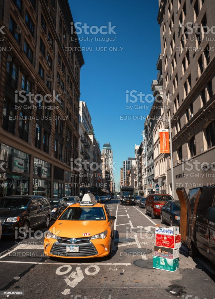 9a6e01ece017d Manhattan Street Scene Stock Photo   More Pictures of Adult