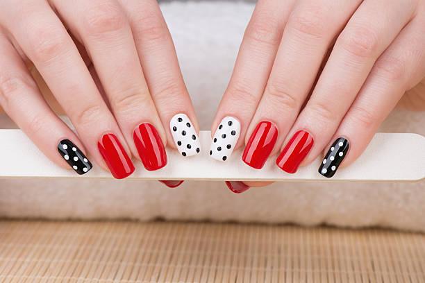 - maniküre  - nailstudio stock-fotos und bilder