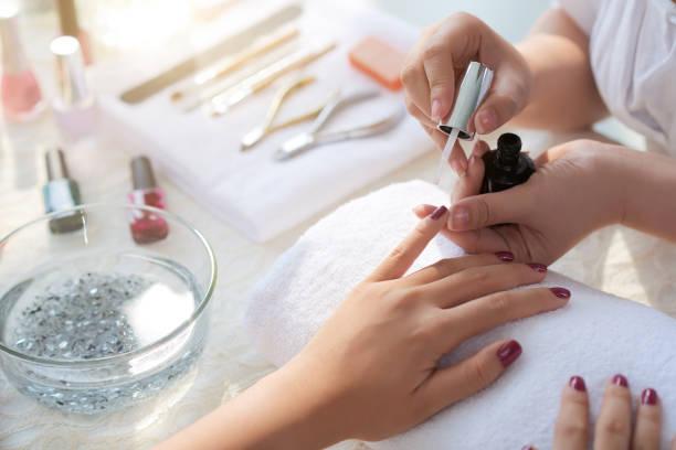manicure processo - manicure - fotografias e filmes do acervo