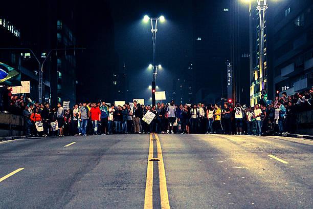 Manifestantes na Av Paulista stock photo