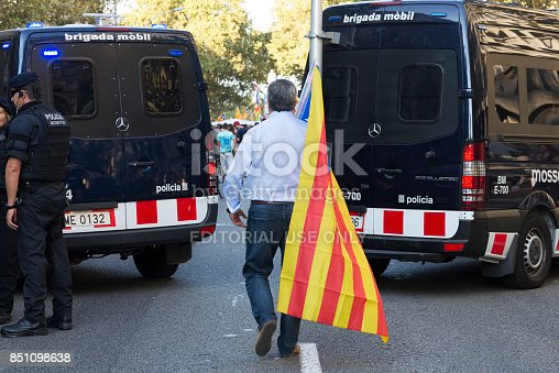 istock Manifestation for independence of Catalonia 851098638