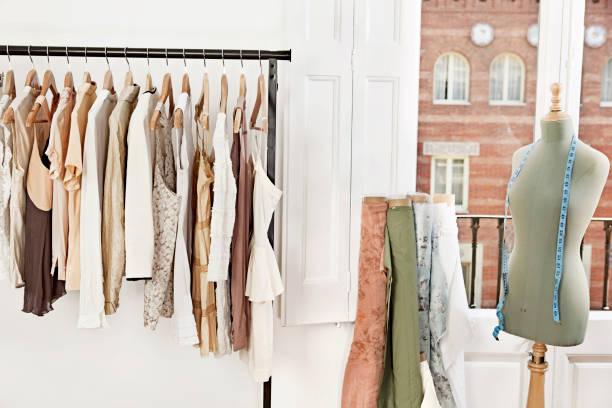 Mannequin in fashion designer's studio fashion designer studio fashion designer stock pictures, royalty-free photos & images