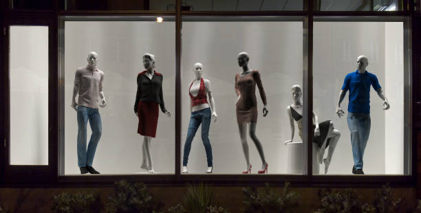 mannequins in fashion shop, display window, interior design - store window stock pictures, royalty-free photos & images