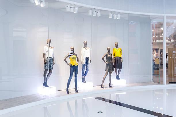mannequins ファッション shopfront - マネキン ストックフォトと画像