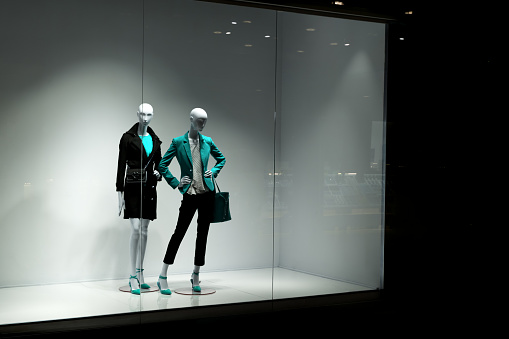 Mannequins look at people