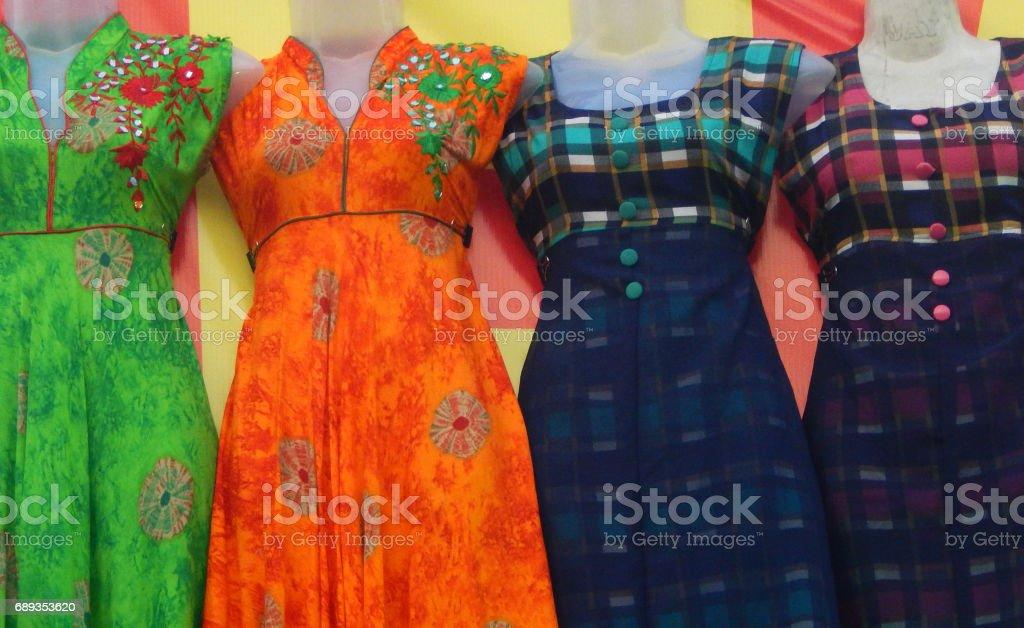 b032753719 Maniquíes Vestidos De Señoras Pakistaní Shalwar Kameez Vestido De ...