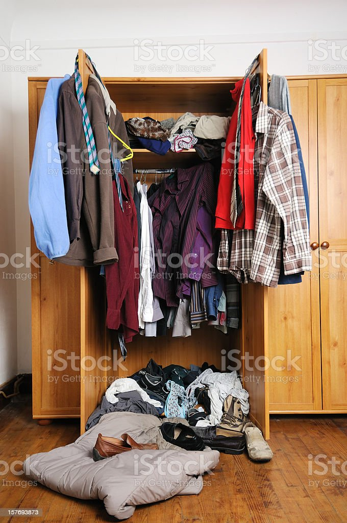 Photo De Stock De Homme Untidy Garderobe Images Libres De Droit Et