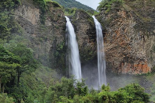 1131408581 istock photo Manto de la novia (bridal veil) waterfall 494039563