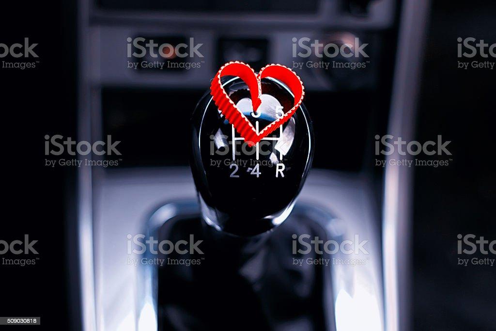 Manuel boîte de vitesses dans la voiture avec cœur - Photo