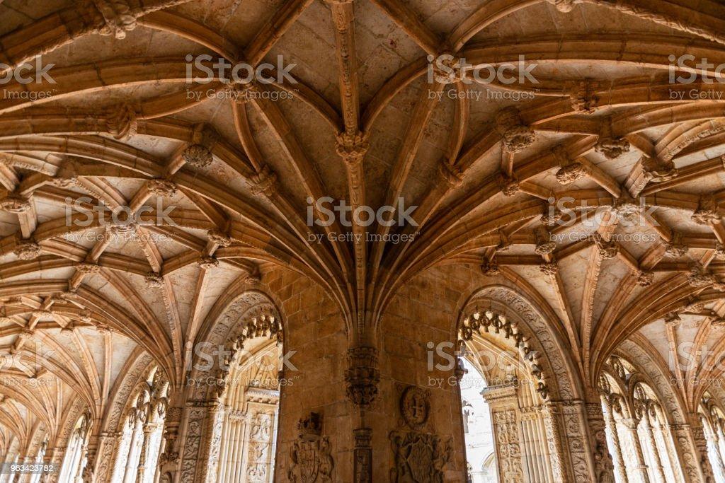 Manueline ornamentering i klostret Jeronimos kloster - Royaltyfri 1500-talet Bildbanksbilder