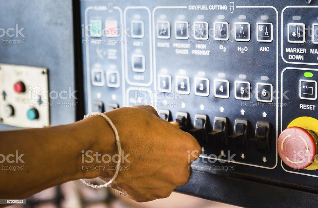 Industrie Arbeiter Betrieb mit Fernbedienung – Foto