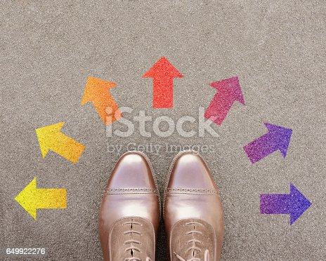 istock Many arrows, lots of options, business shoes 649922276