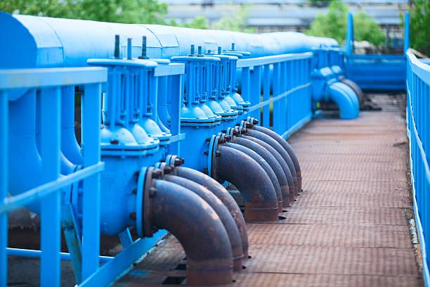 wielu niebieski gazu, rurociągi o zatrzymanie-zasuwy w zakład przemysłowy - tap water zdjęcia i obrazy z banku zdjęć