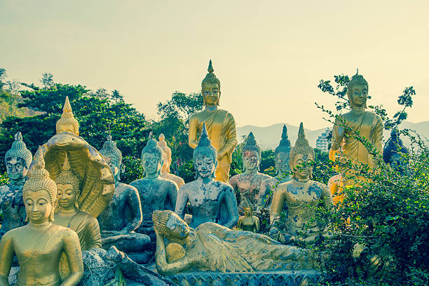 Viele Buddha Tempel von Khao Takiab in Hua Hin, Thailand – Foto