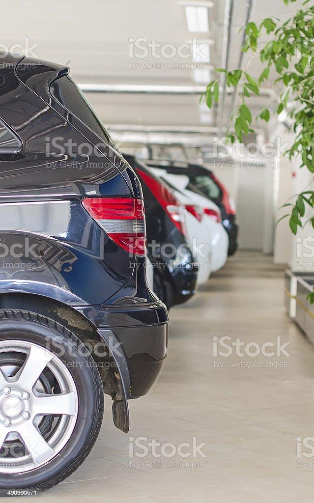 Viele Autos in Parkplatz oder in der garage. – Foto